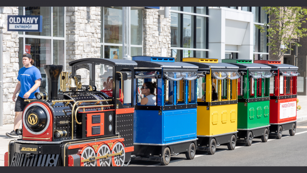 Welcome back on board the Harden Express mini train at Les Avenues Vaudreuil
